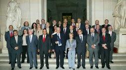 Felicidades a Mario Vargas Llosa